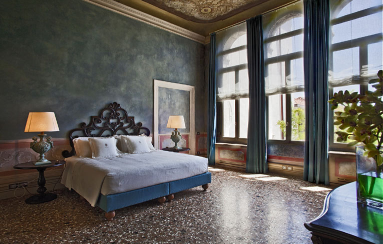 velence luxus hálószoba lakberendezés