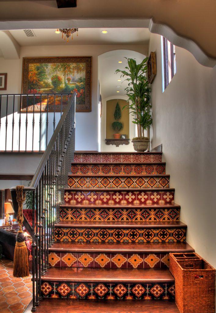spanyol mozaik lépcső kerámia