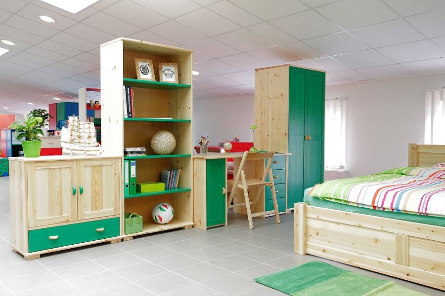 Színes fenyő gyermekbútorok