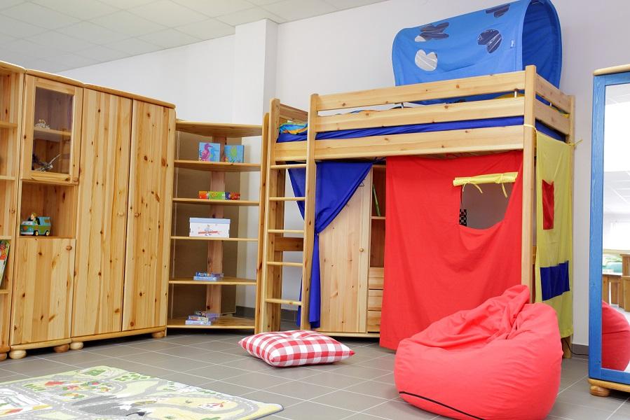 Fenyő emeletes ágy hálószoba