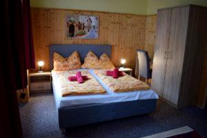 panzió bútor berendezés ágyak