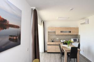 apartmanház berendezés bútor